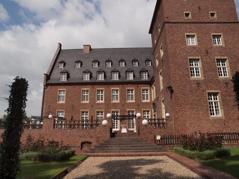 Fotos Schloss Diersfordt | 46487 Wesel Diersfordt: http://www.burgen-und-schloesser.net/nordrhein-westfalen/schloss-diersfordt/fotos.html