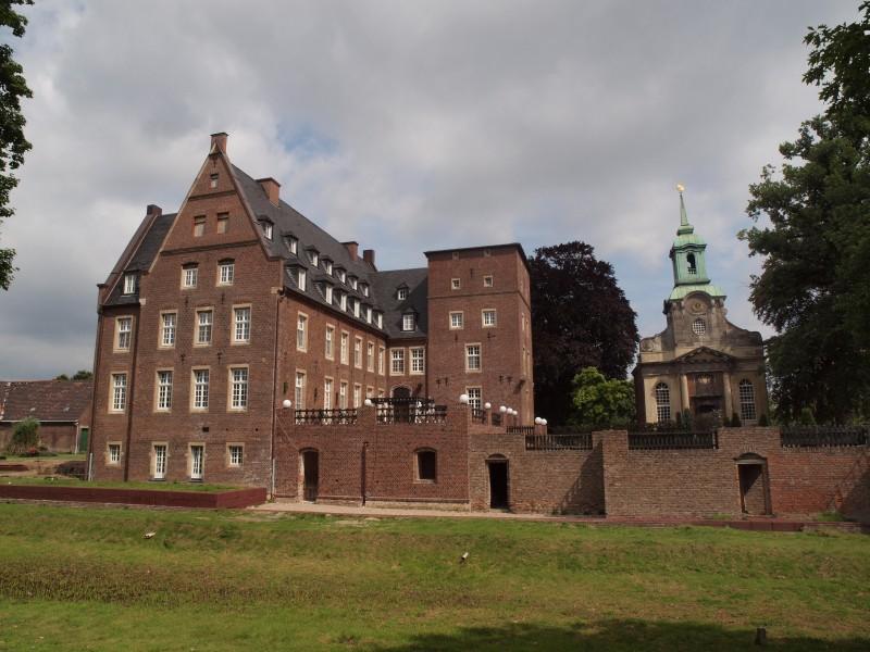 Foto schloss-diersfordt-11.jpg | Schloss Diersfordt | Wesel: http://www.burgen-und-schloesser.net/nordrhein-westfalen/schloss-diersfordt/schloss-diersfordt-11.jpg.html