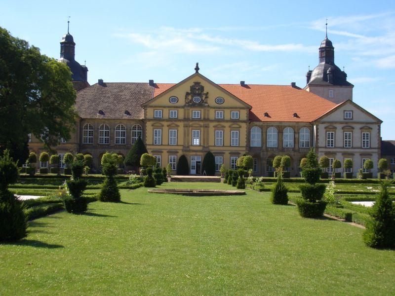 Schloss Hundisburg Restaurant Hotel Standesamt 39343 Hundisburg